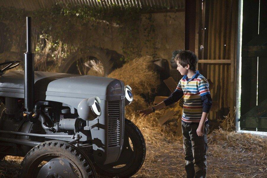 Fergie de kleine grijze tractor en de dansende geit image