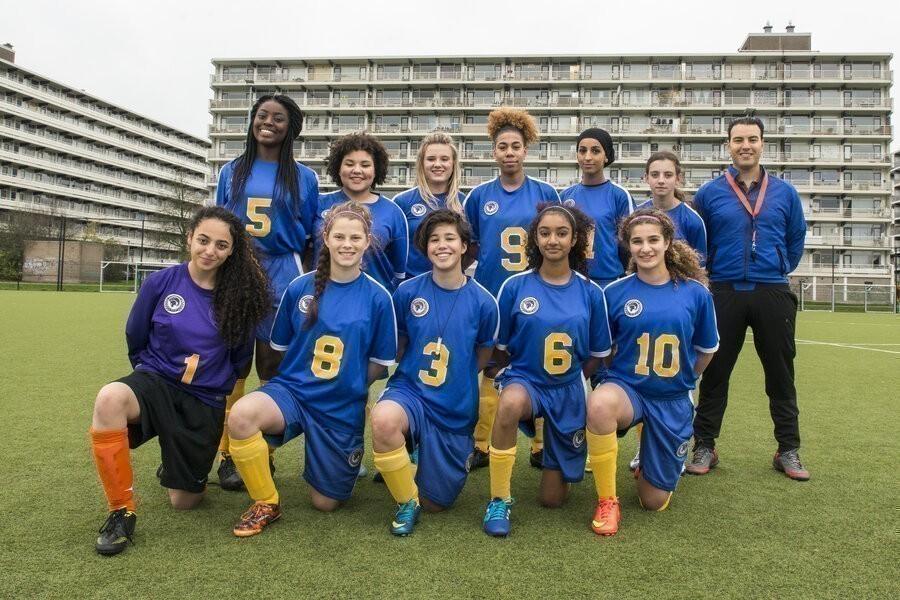 Voetbalmeisjes image