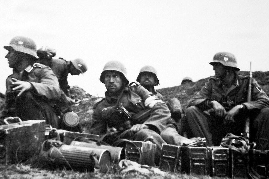Apocalypse: The second world war image