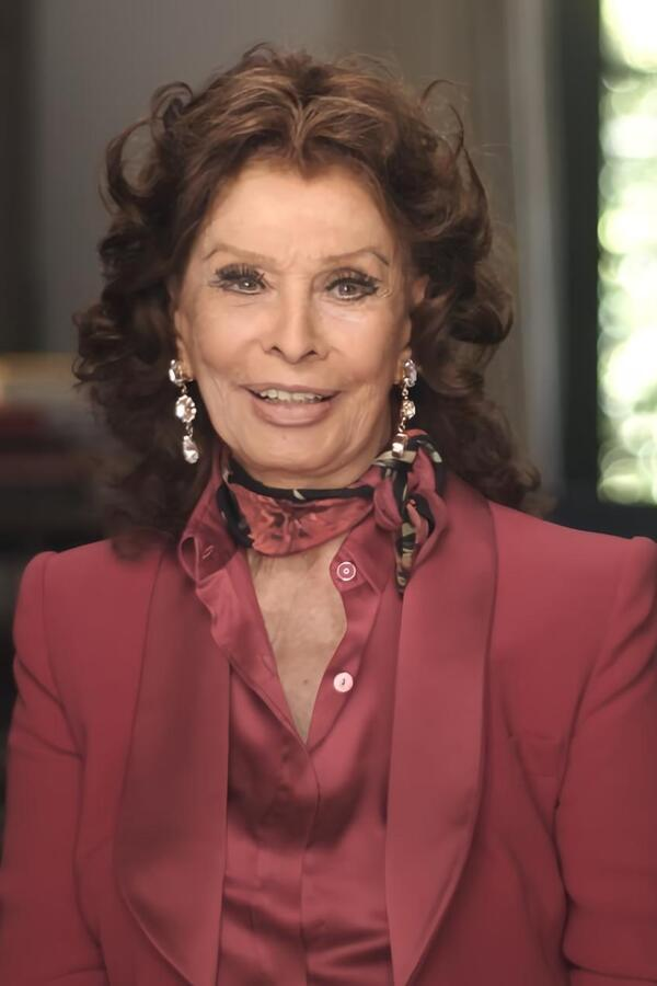 What Would Sophia Loren Do? image