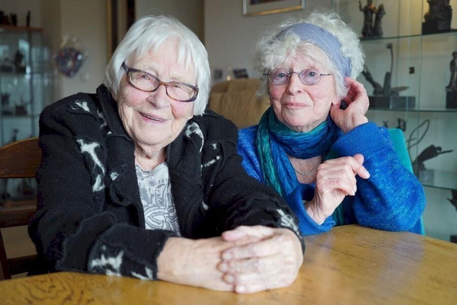 Twee zussen in verzet image