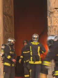 Notre Dame: Vuurzee in Parijs